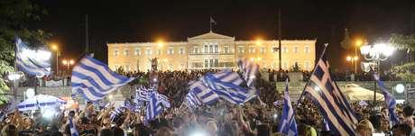 """População optou pelo """"não"""" em referendo na Grécia"""