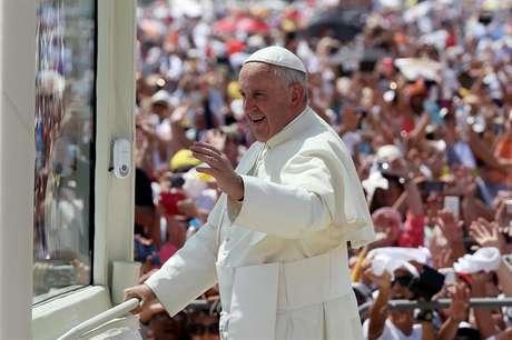 Papa Francisco pediu perdão pelos crimes contra os povos originários da região na colonização