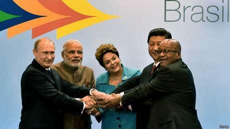 Os líderes dos Brics (da esq): Vladimir Putin (Rússia), Narendra Modi (Índia), Dilma Rousseff, Xi Jinping (China) e Jacob Zuma (África do Sul)