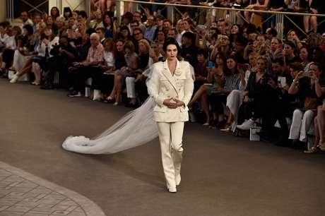 Kendall Jenner foi a estrela do desfile da Chanel