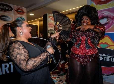 Preta Gil fez pocket show na abertura da loja da marca de cosméticos