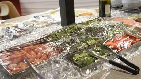 """Comida dentro do """"QG"""" brasileiro é rigorosamente controlada pela nutricionista e evita tentações como pizza e hambúrguer"""