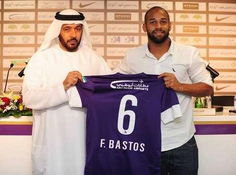 Fellipe Bastos desembarca em Dubai e se apresenta ao Al Ain