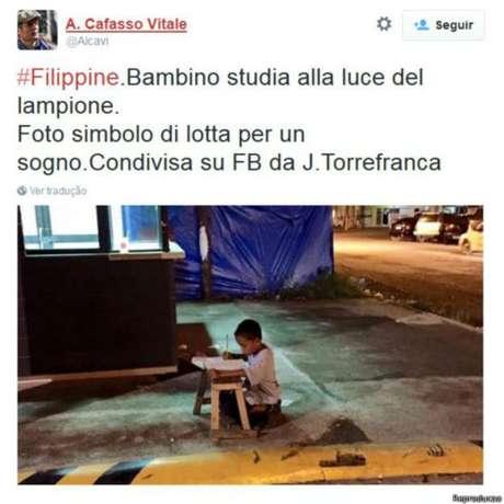 """""""Foto símbolo da luta por um sonho"""", disse um italiano no Twitter"""