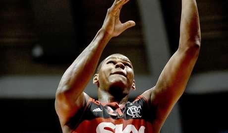 Cristiano Felício foi campeão do NBB 7 com o Flamengo no ano passado