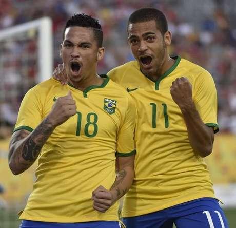 Brasil x Canadá - Luciano e Clayton comemoram gol no Pan