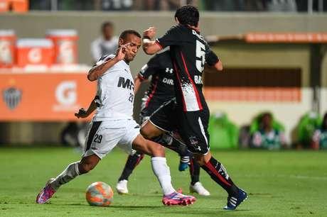 Patric acertou com o Osmanlıspor, da Turquia, onde jogará por 2 temporadas