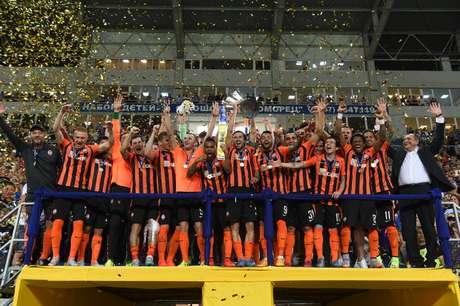 Shakhtar fez 2 a 0 e foi campeão da Supercopa da Ucrânia