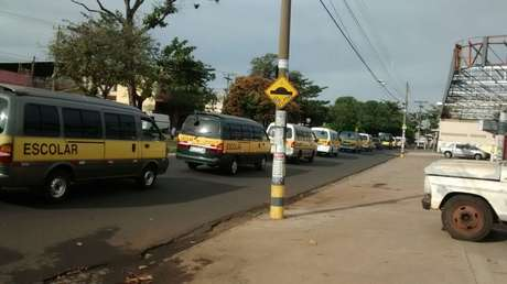 Condutores de vans escolares também protestaram em Ribeirão Preto, no interior de São Paulo