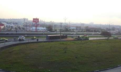 Motorista saiu ileso do acidente na rodovia Anchieta