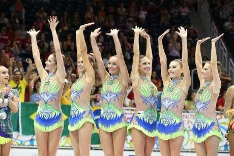Meninas do Brasil agradecem o carinho do público