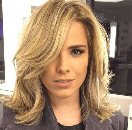 De cabelo novo, cantora recebeu vários elogios na web
