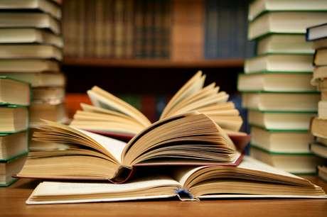 Empresa aérea pretende melhorar o nível de alfabetização de bairro americano