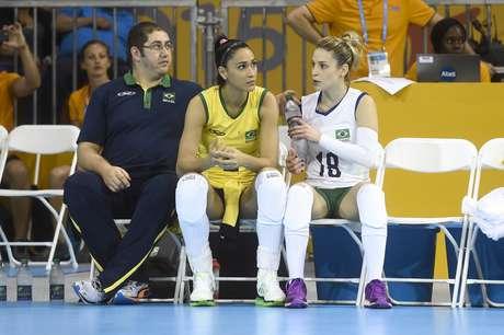 Jaqueline foi ausência na partida contra os Estados Unidos, por conta de uma lesão