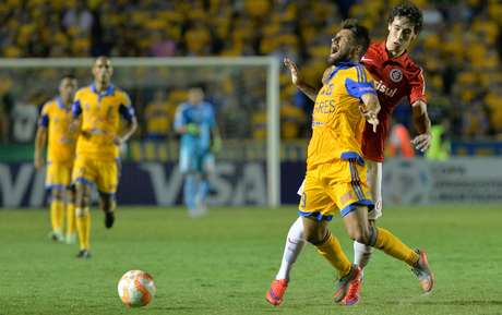 Rafael Sobis perdeu pênalti para o Tigres quando partida estava 2 a 0
