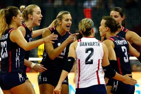 EUA conseguiram virar o terceiro set para acabar com o sonho do ouro brasileiro
