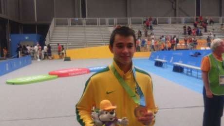 Hugo Calderano venceu Gustavo Tsuboi na final brasileira e levou o ouro