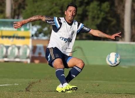 Barrios em jogo-treino do Palmeiras contra o São José na Academia