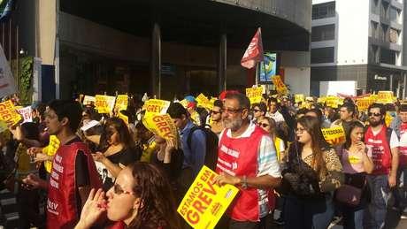 Servidores federais protestaram na avenida Paulista