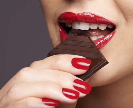 Pesquisas anteriores já associaram o consumo diário de chocolate como um auxiliar no combate ao Alzheimer