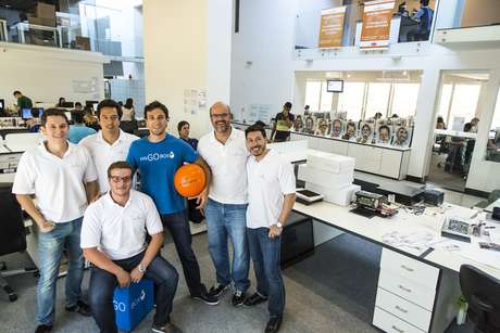 Rodrigo Rasera (primeiro à esquerda), da Cappta, optou transformar seus funcionários em sócios para atrair e reter talentos