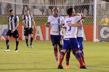 Bahia dominou jogo mesmo fora de casa