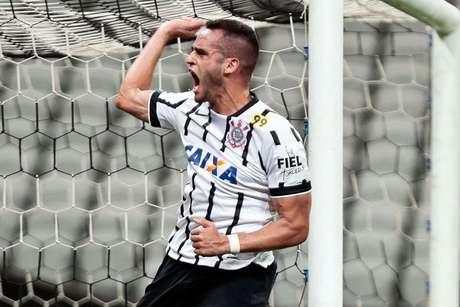 Renato Augusto já jogou 43 vezes como titular esse ano