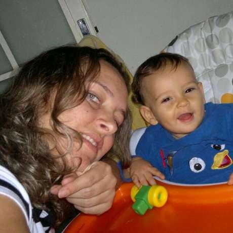 Aline de Paula Silva e o filho, Rafael