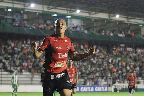 Leandrão soma nove gols em nove jogos na Série C