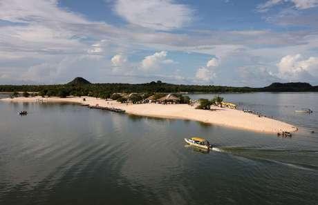 Praias, como as de Alter do Chão, são visitadas durante as viagens