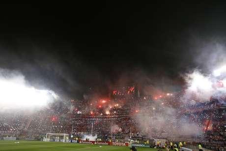 Sinalizadores ditaram o clima da decisão da Libertadores