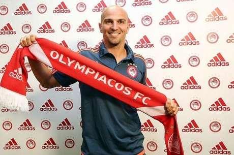 Cambiasso apresentado pelo Olympiacos