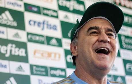 FOTOS - Robinho volta ao time e Barrios treina com reservas no Verdão