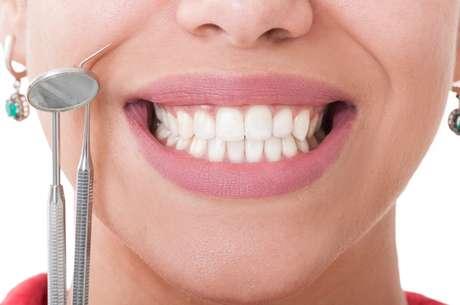 El cepillado de dientes después de cada comida es fundamental para evitar la caries