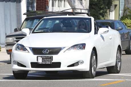 Ex-babá dos filhos de Ben Affleck e Jennifer Garner, Christine Ouzounian virou alvo dos paparazzi em Los Angeles
