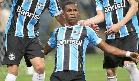 HOME - Grêmio x Joinville - Campeonato Brasileiro - Gol de Erazo