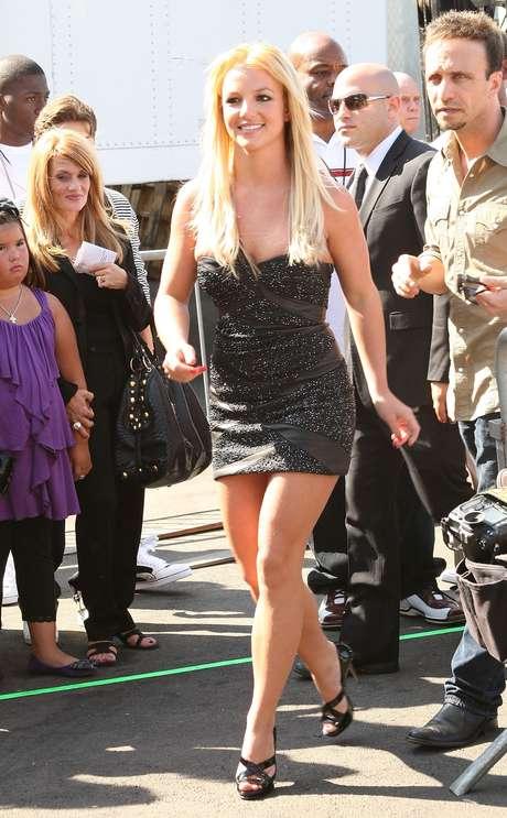 Em 2009, Britney apareceu com estilo periguete: vestido justo, curto e decotado, mas que ficou legal no corpo dela