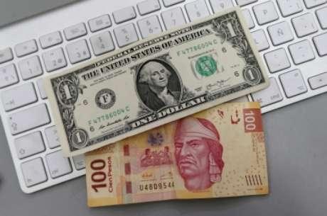 Se cotiza dólar en 21 pesos en ventanillas