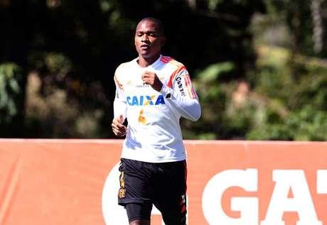 Samir será emprestado pela Udinese ao Granada no 1º semestre de 2016