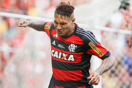 ENQUETE: Voc� acha que Guerrero merece ficar na reserva do Flamengo ?