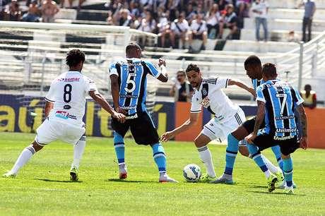 Ponte Preta ex Grêmio não saíram do 0 a 0 no Moisés Lucarelli, em Campinas (SP)