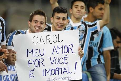 Arena Grêmio foi palco também de declaração de amor nas arquibancadas