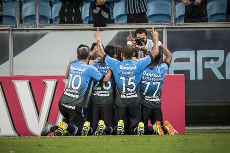 Festa na Arena: o Grêmio está nas quartas de final da Copa do Brasil