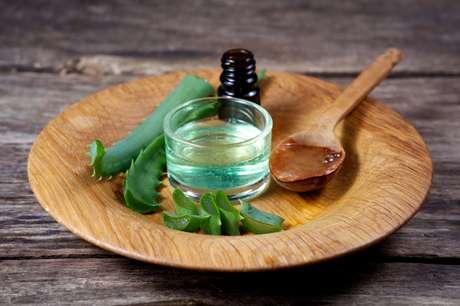 O óleo de babosa deve ser recomendado por um dermatologista.