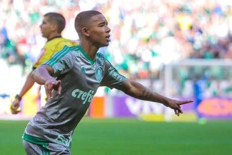 Só dá ele! Gabriel Jesus já ganha canto especial da torcida do Palmeiras