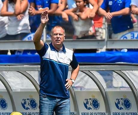 O treinador deve se despedir em definitivo do clube mineiro no próximo domingo, quando comandará o Cruzeiro na última partida da equipe no ano, contra o Internacional, às 17h (de Brasília), no Beira-Rio.