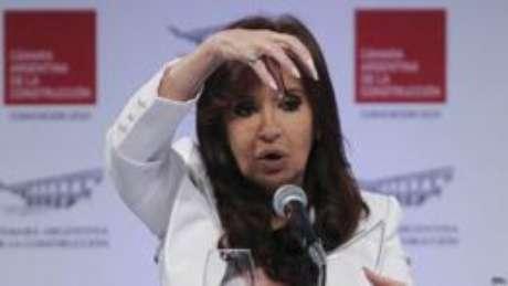 Em abril, a presidente da Argentina, Cristina Kirchner, determinou a liberação de todos os documentos militares secretos produzidos durante o conflito