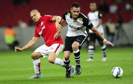 Vantagem do líder Corinthians para o Atlético-MG segue em cinco pontos