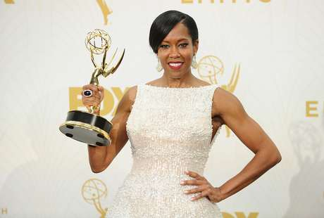 Regina King venceu o Emmy como melhor atriz coadjuvante em minissérie ou filme para TV