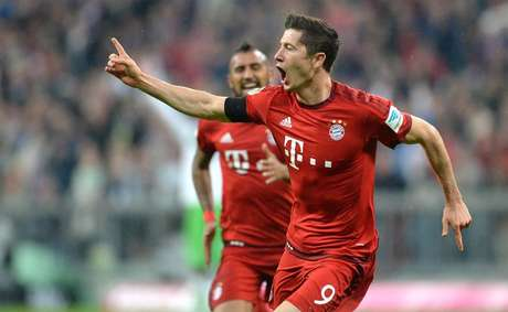 Lewandowski, que anotou cinco na goleada do Bayern de Munique sobre o Wolfsburg